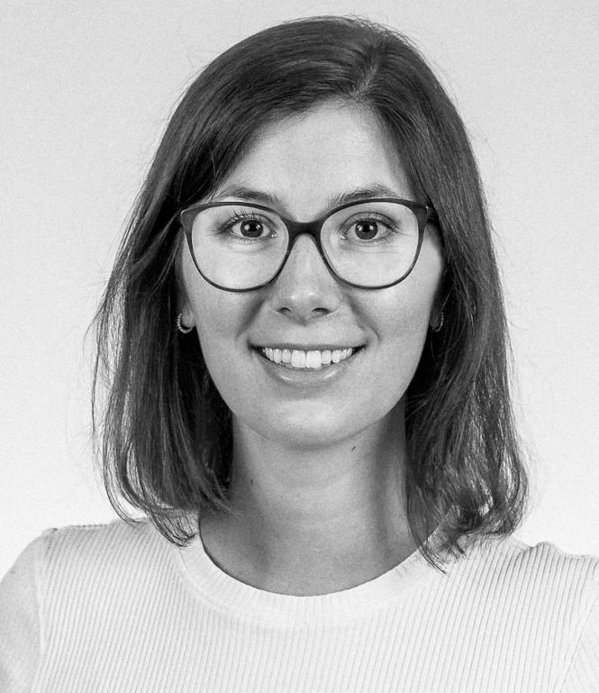 ophie Bitzer, Projektmanagerin
